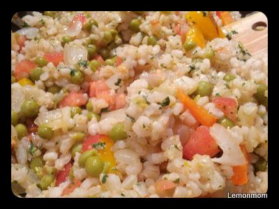 Brązowy krótki ryż z warzywami