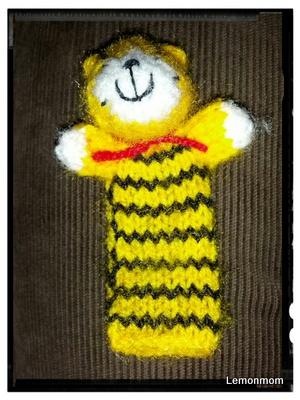Tygryska nakłada się na paluszek i można bawić się w teatr.