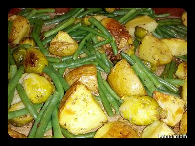 Pieczone ziemniaki z fasolką i brukselką